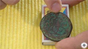 Как почистить медную монету от зеленого налета