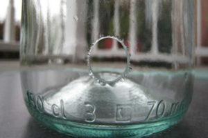 Как сделать отверстие в стеклянной банке?