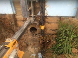 Сделать отверстие в фундаменте под канализацию