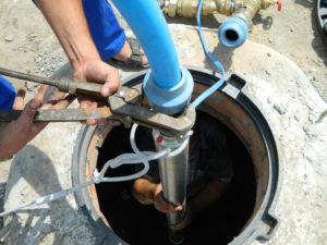 Установка глубинного насоса в скважину своими руками