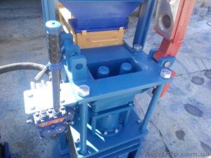 Гидравлический пресс для производства кирпича