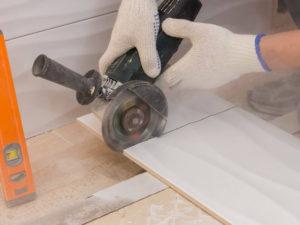 Как правильно резать керамическую плитку болгаркой?