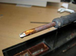 Почему не держится олово на паяльнике?