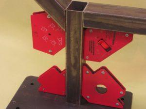 Угловой магнит для сварки