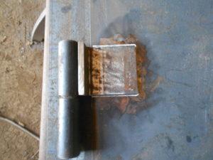 Как правильно приварить гаражные петли?