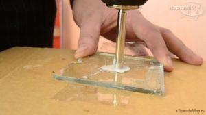 Как просверлить отверстие в каленом стекле?