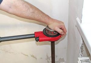 Как правильно нарезать резьбу клуппом?