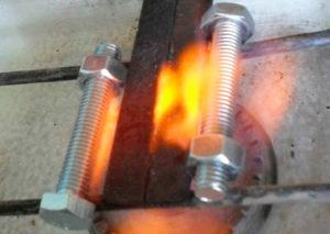 Как правильно закалить металл?