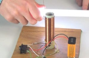 Как сделать повышающий трансформатор своими руками