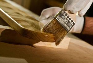Покрытие дерева лаком в домашних условиях