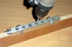 Самодельный кондуктор для сверления под конфирмат