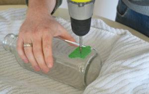 Как просверлить отверстие в стекле?