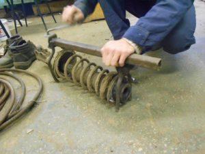 Как сделать стяжки для пружин своими руками