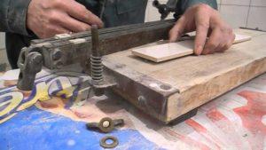 Как сделать плиткорез своими руками