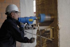Лазерное сверление отверстий в бетоне