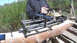 Приспособление для бензопилы продольной распиловки своими руками