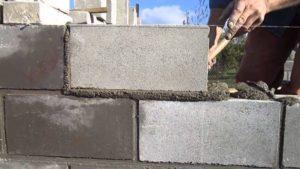 Как правильно класть кладку из блоков?