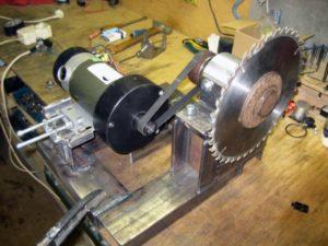 Какой электродвигатель лучше для циркулярки?
