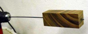 Как просверлить длинное отверстие в дереве?