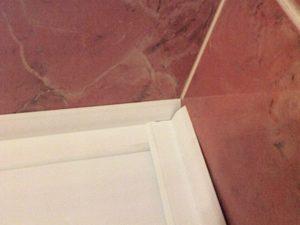 Как правильно сделать углы в ванной?