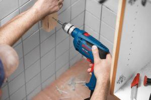 Как правильно сверлить плитку в ванной?