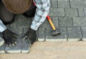 Можно ли класть тротуарную плитку на асфальт?