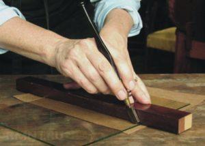 Как правильно резать стекло алмазным стеклорезом?
