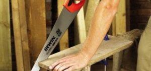 Как правильно пилить ножовкой по дереву?